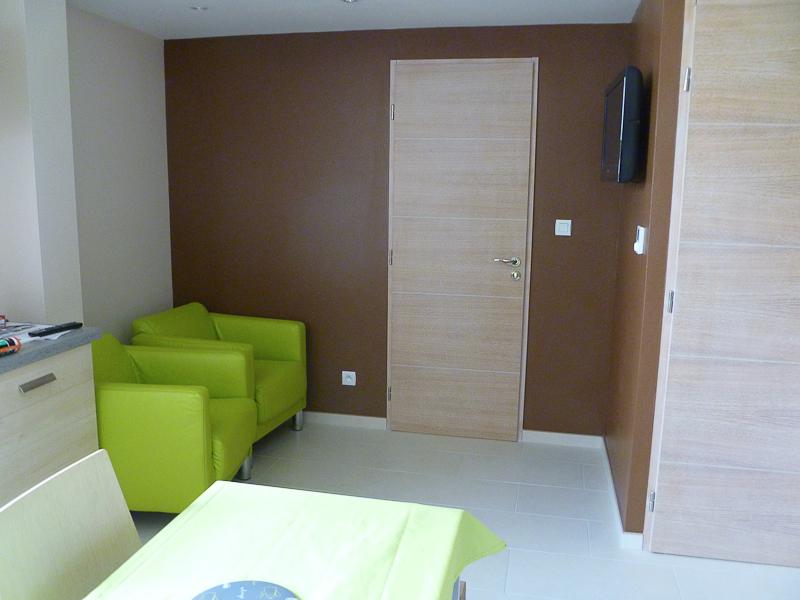 location de meubl s vittel. Black Bedroom Furniture Sets. Home Design Ideas